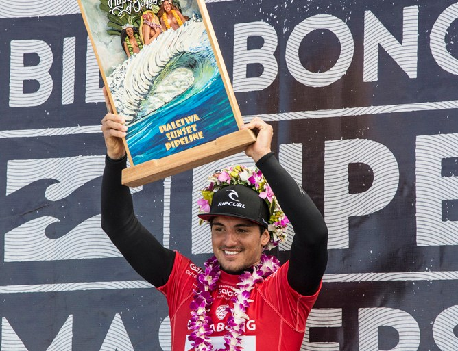 207d9316f5 Triple Crown of Surfing - Freesurf Magazine