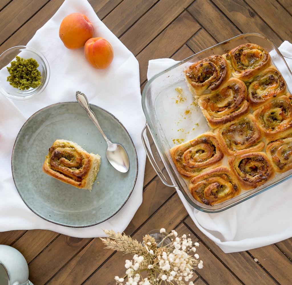 Une recette de roulés aux abricots et à la pistache bien moelleux !