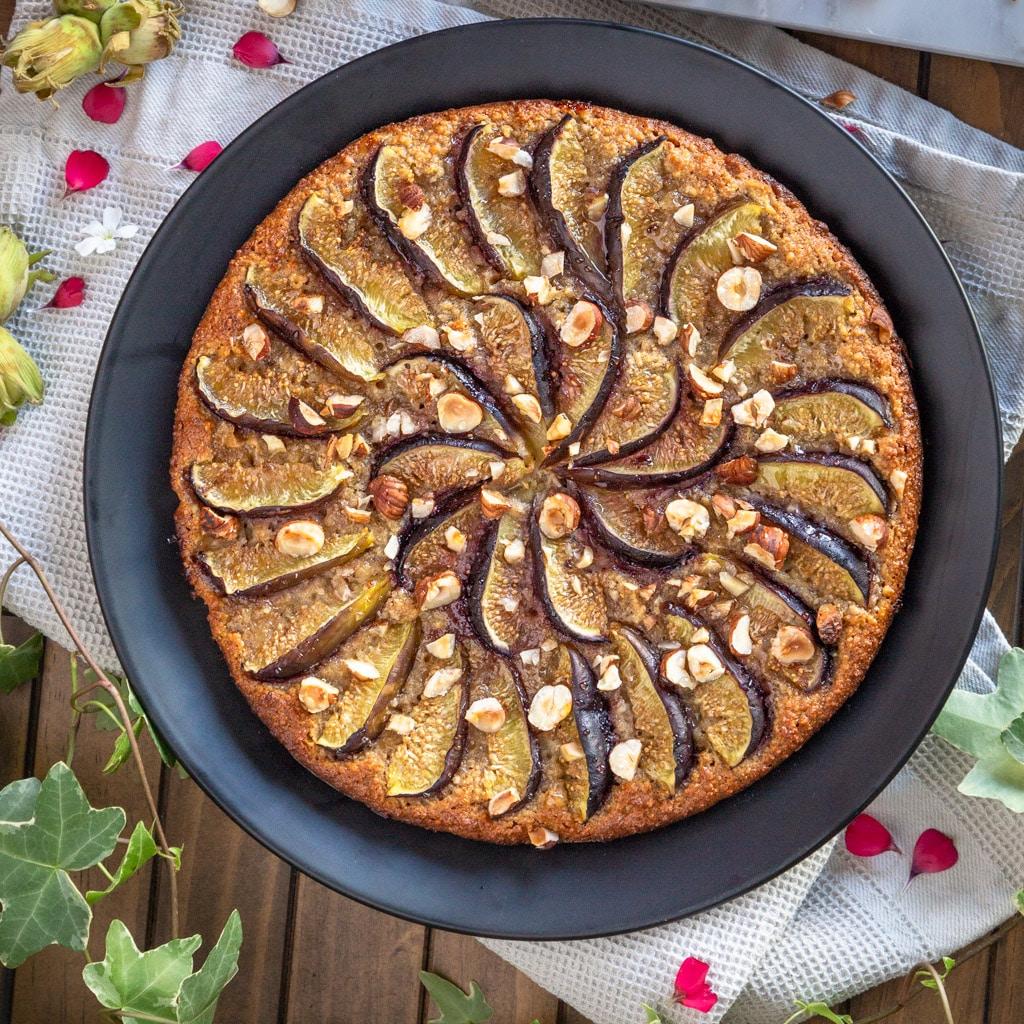 Une tarte super moelleuse à la noisette et à la figue, et sans gluten !