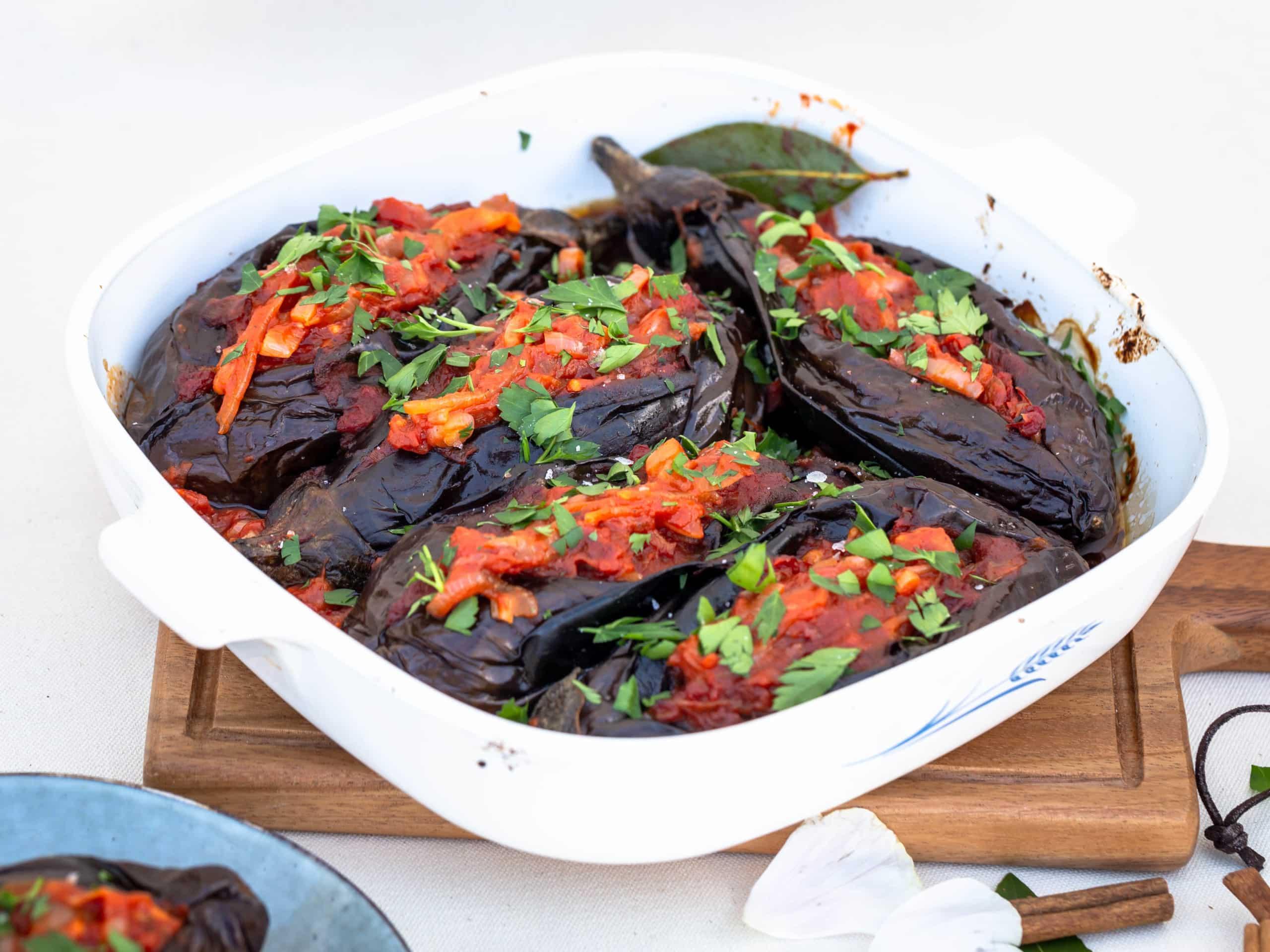 Aubergines Farcies à l'Ottomane – Iman Bayildi (Vegan et Sans Gluten)