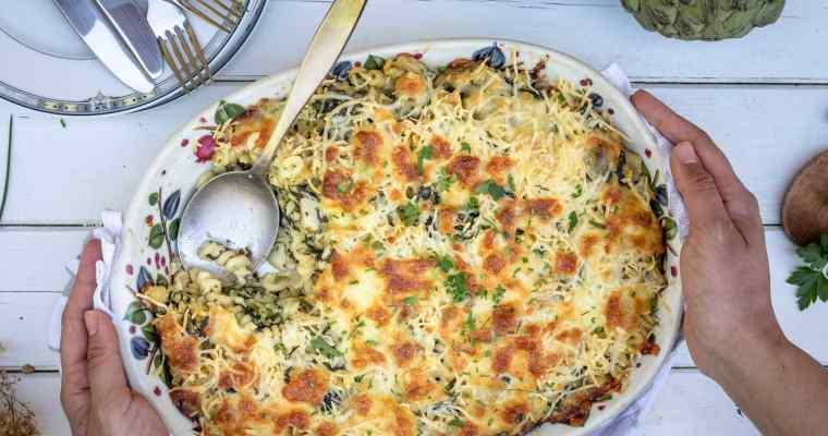 Gratin de Pâtes aux 3 Fromages, Artichauts et Épinards (Végétarien)