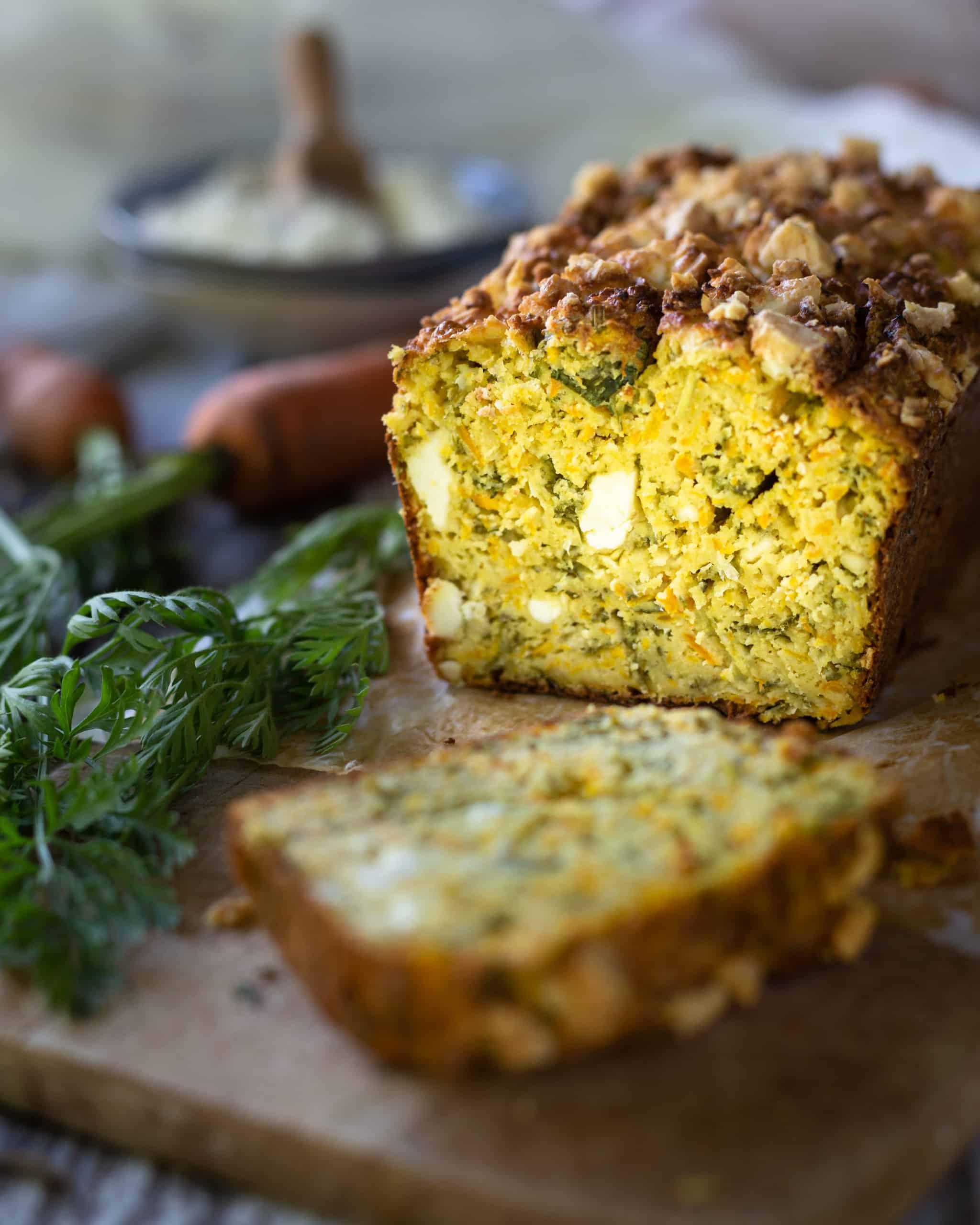 Cake Sans Gluten et «Zéro Déchet» aux Fanes de Carottes (Farine de Quinoa et Farine de Pois Chiche)