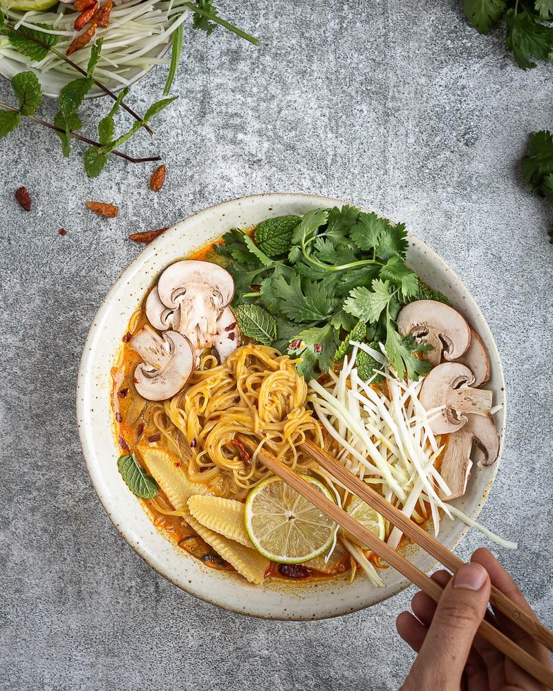 Soupe Coco-Citronnelle aux Vermicelles de Riz façon Thaï (Vegan et Sans Gluten)