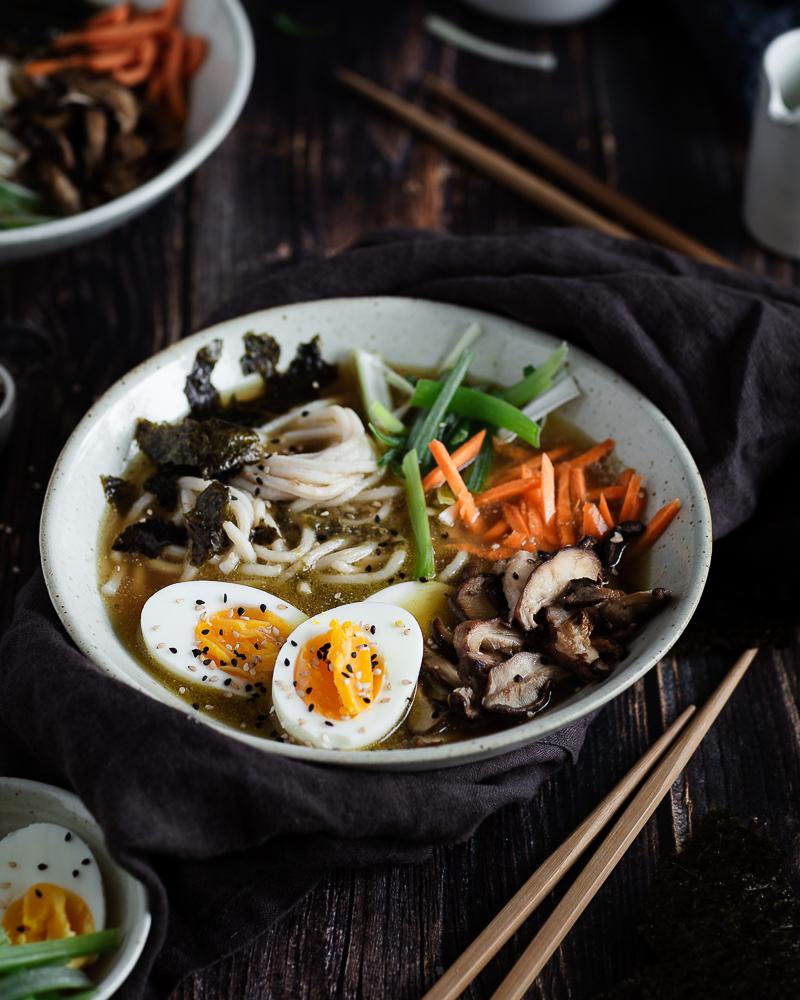Ramen Végétarien au Miso et Tahini (Soupe d'inspiration Japonaise)