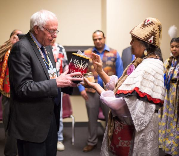 Photo courtesy of Nicole Willis and the Bernie Sanders Campaign: Bernie Sanders meeting with Yakama Nation tribal members
