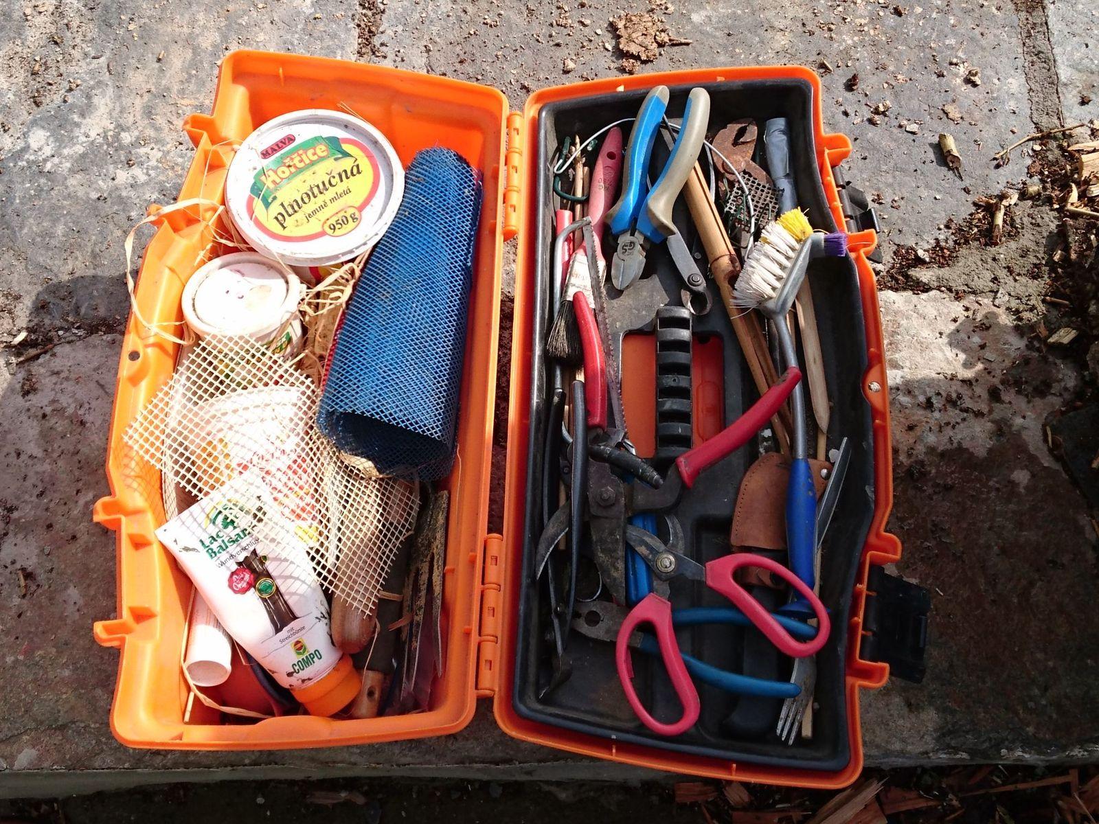 Tool box for bonsai trees.