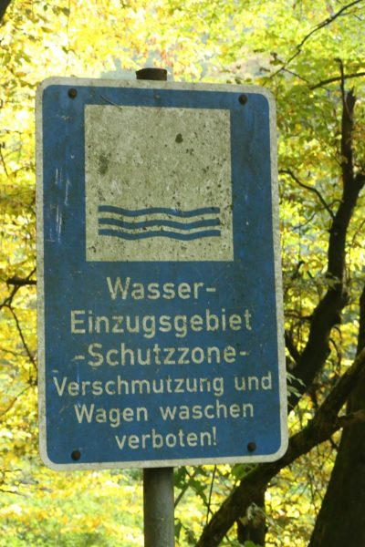Blue sign water reserve