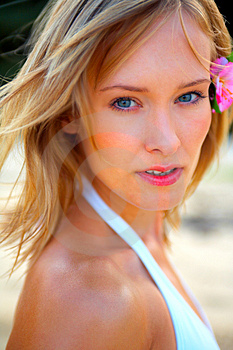 Free Stock Photography - Fashion Shot of a Beautiful Young Woman on the Beach