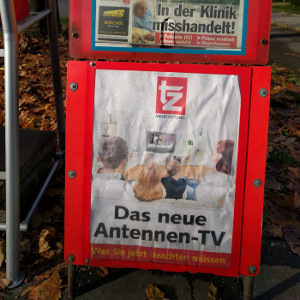 German newspaper rack showing Das neue Antennen-TV