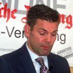 Ken-Jebsen-Wikimedia-Commons-opposition24-CC-BY-2.0.jpg