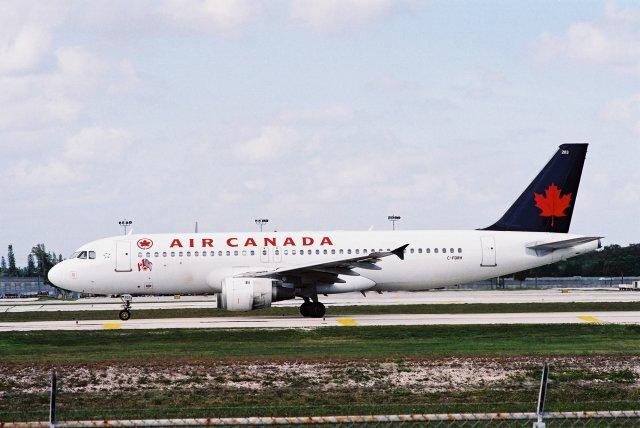 エア・カナダ Airbus A320 C-FDRH フォートローダーデール・ハリウッド國際空港 航空フォト | by ゴンタさん 撮影 ...
