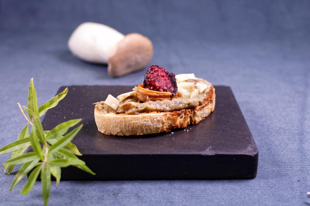 Auberginen Pilz Creme, aromatisiert mit Zitronenverbene