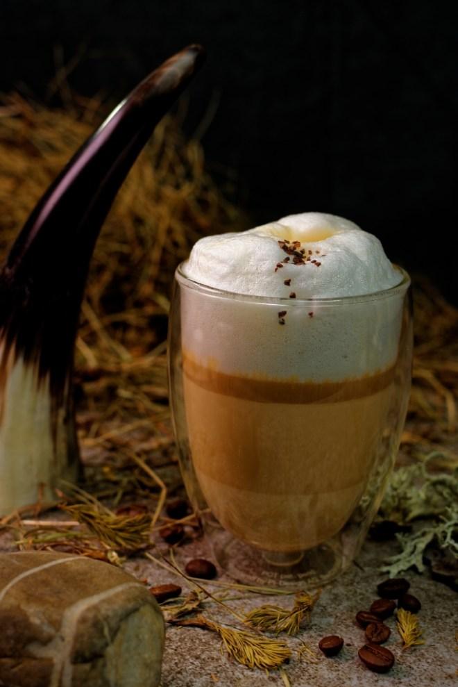 Almwiesenheu Latte Macchiato