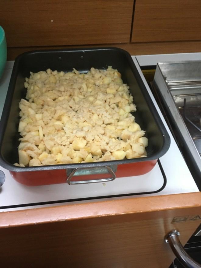 Apfel-Crumble in der Pantry-Küche