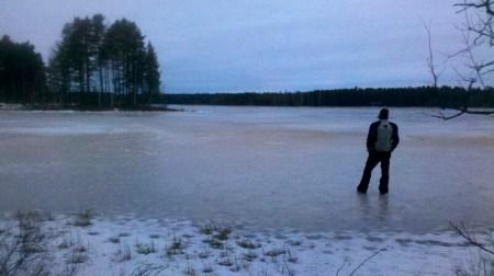Schwedischer See im Winter