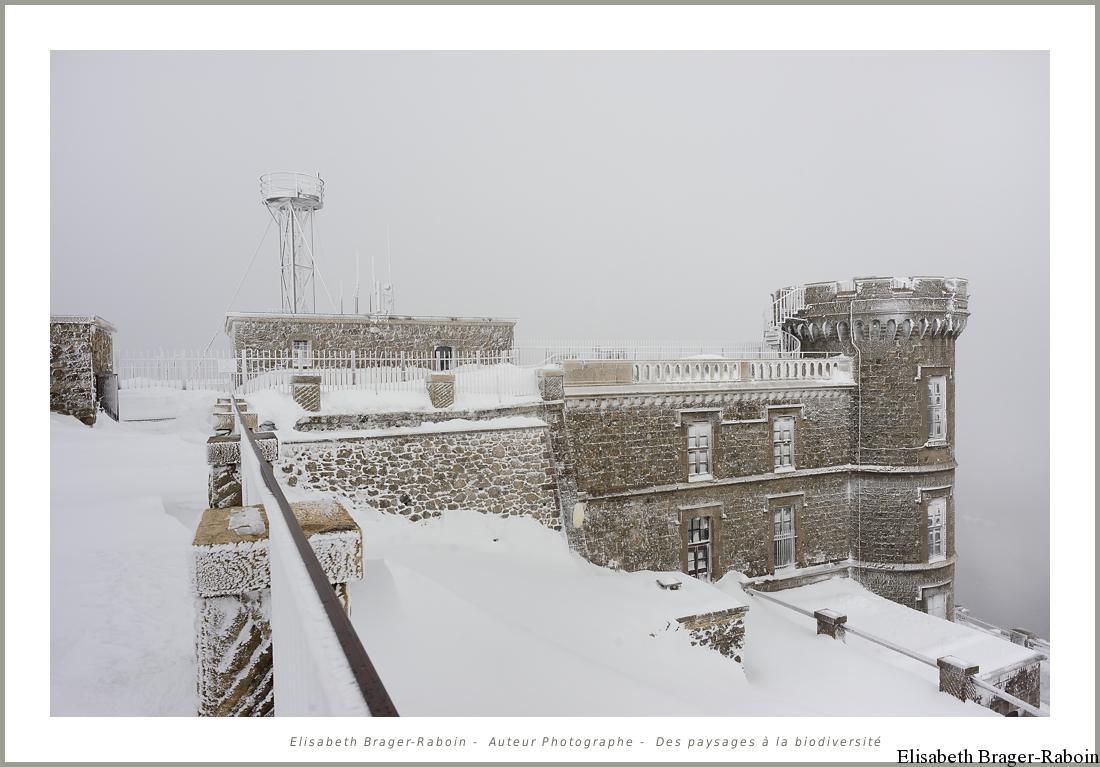 L'observatoire du Mont Aigoual en hiver