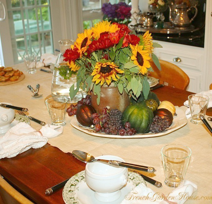 FrenchGardenhouseGivingCircletable