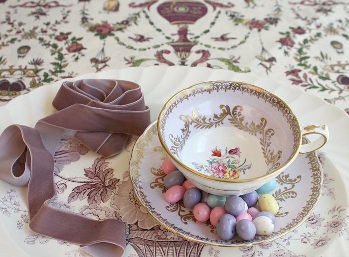 antique-tea-cup-velvet-ribbon