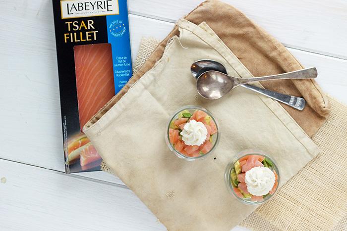 https://www.frenchgirlcuisine.com/wp-content/uploads/Avocado-smoked-salmon-verrinesrs.jpg