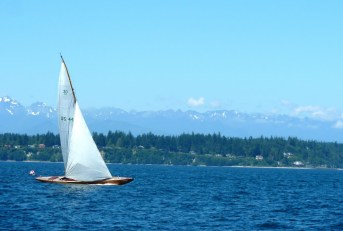 Summer sailing in the Pacific Northwest