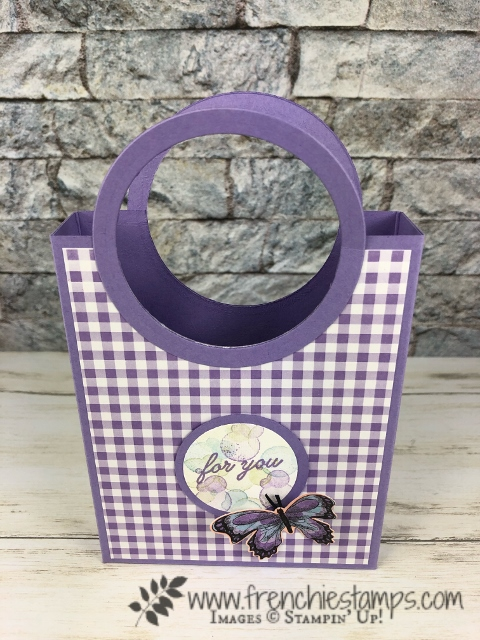 Circle Handle Bag. Using the Gala Designer paper. These bag are simple to make. The Layering circle framelits is the product that make this bag so simple. All products by Stampin'Up! available at frenchiestamps.com