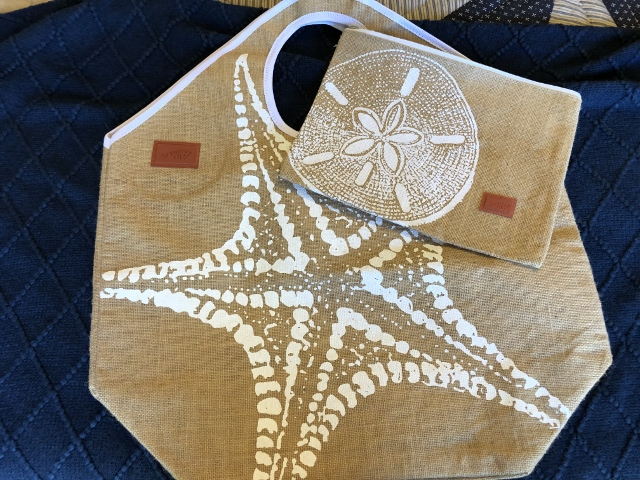 Big beach bag with pouch 15.00