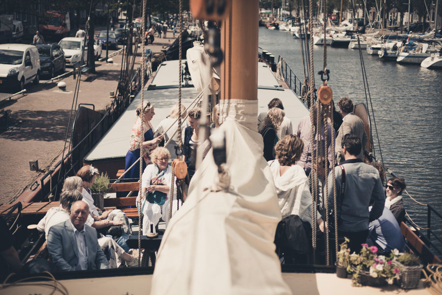 boat-wedding-cocktail-in-the-netherlands-jarg-woldhuis-05