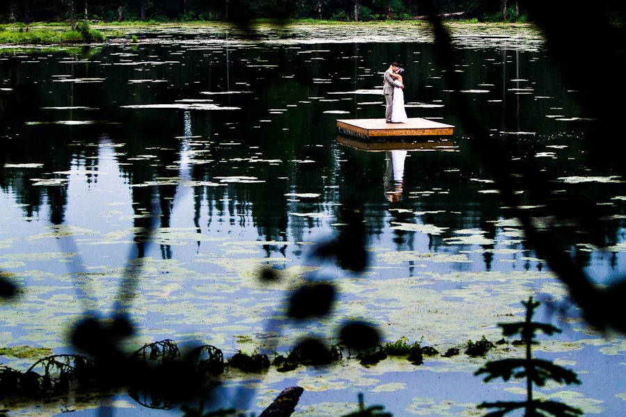 outdoor-wedding-by-a-lake-11