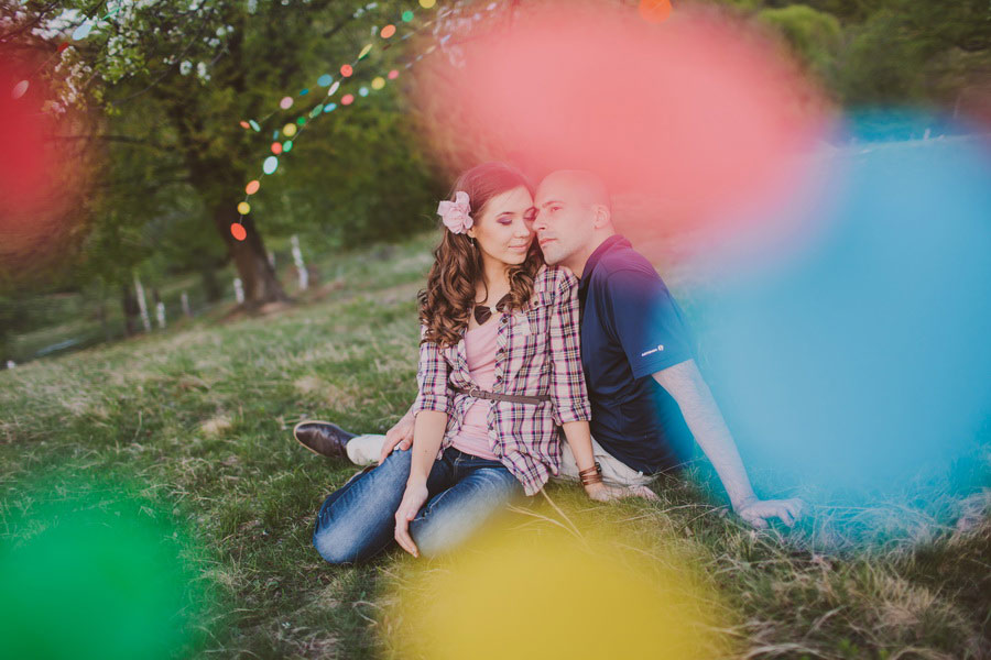 love-session-colorful-paper-garland-be-light-07