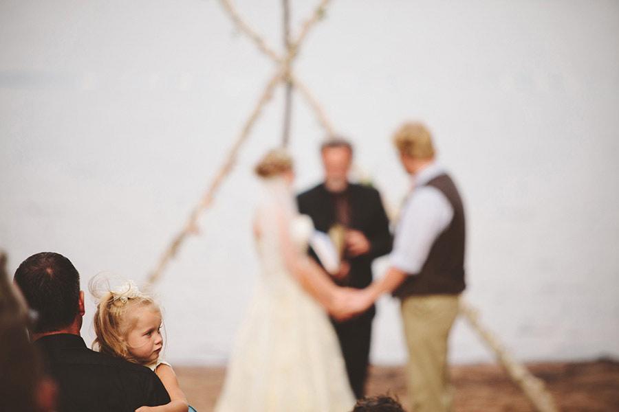 simple-wedding-pond-15