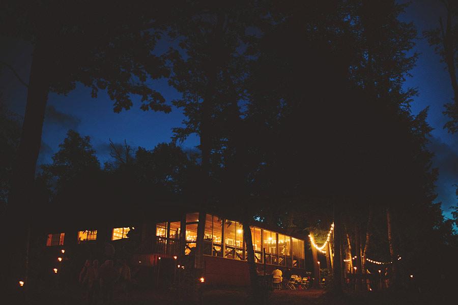 simple-wedding-pond-30