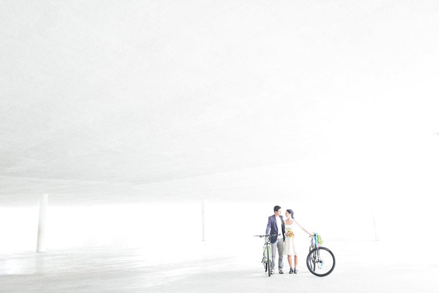 brazilian-picnic-wedding-bikes-frankie-marilia-21
