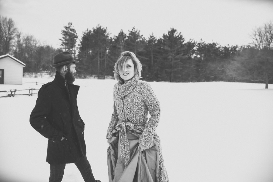 hipster-couple-session-snow-love-studio-10