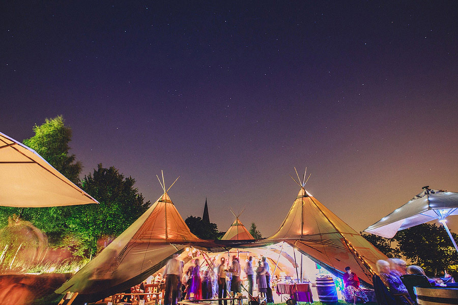 Pink-Teepee-Wedding-England-Steven-Rooney-32