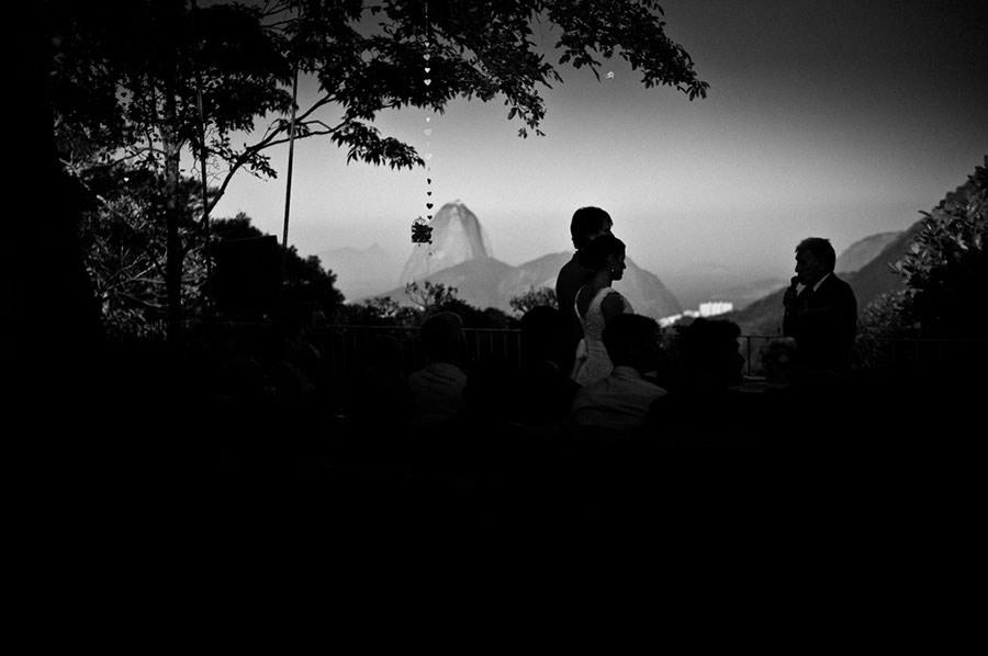 Wedding-Rio-de-Janeiro-Pompom-Aisle-Corcovado-13