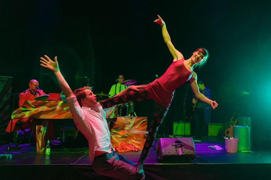 theater-circus-wedding-nicole-bosch-31