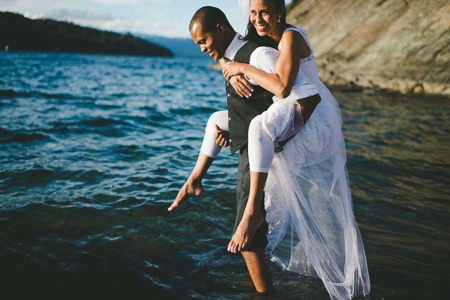 Post-Wedding-Pictures-Lake-Barefoot-08