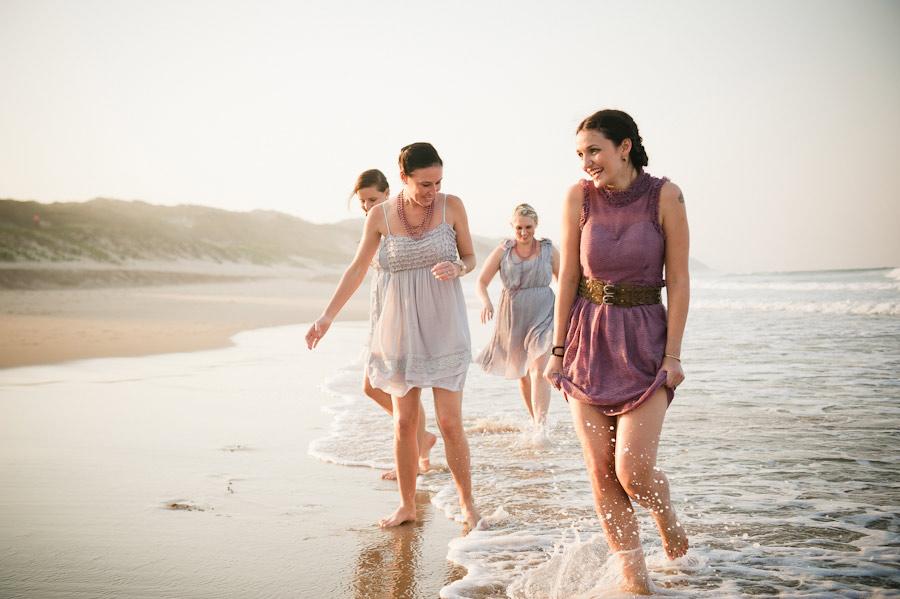purple-mozambique-monkey-themed-beach-wedding-23