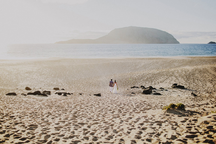 wedding-on-isolated-beach-pablo-beglez-24