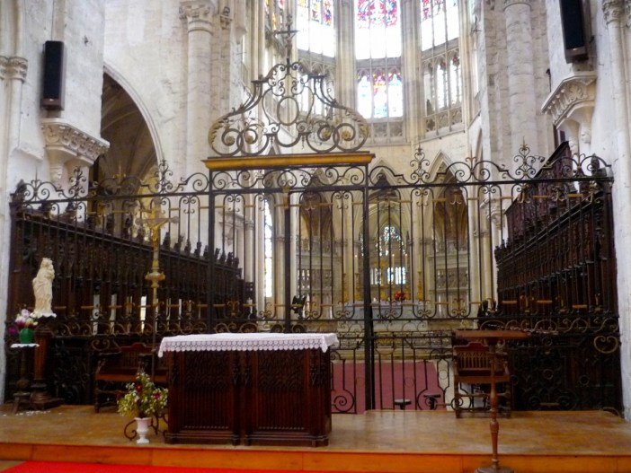 The choir, Vendôme Abbey © French Moments