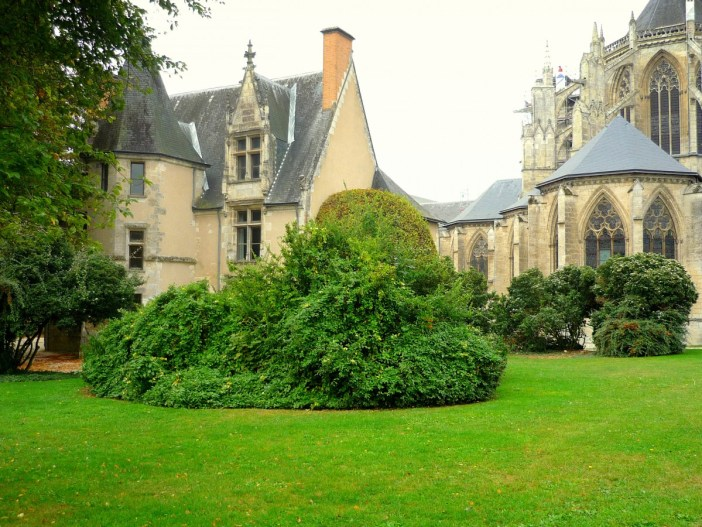 The Bishop's Lodgings, Vendôme Abbey © French Moments