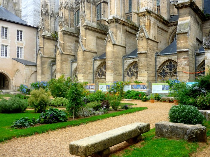 The cloister of Vendôme Abbey © French Moments