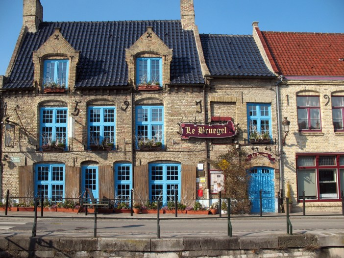 Le Bruegel inn in Bergues © Michelle Martin - French Moments