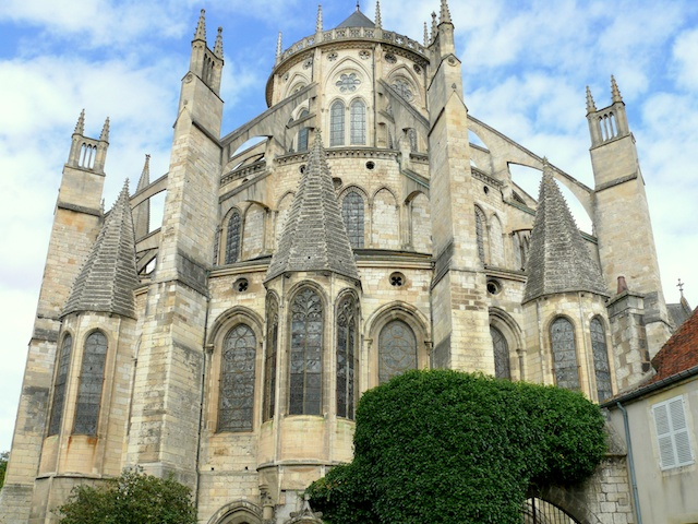 Chevet of Bourges Cathedral © Mossot, Creative Commons (CC-BY-SA-3.0)