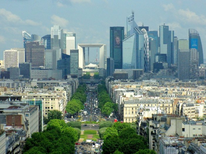 CBD of La Défense from Arc de Triomphe © French Moments