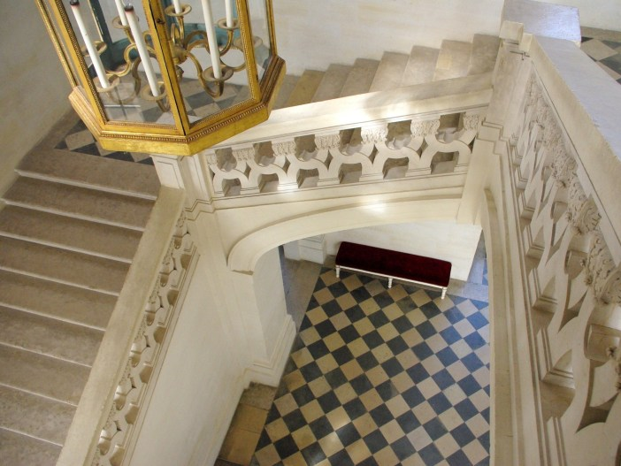 The grand staircase, chateau of Maisons-Laffitte © French Moments