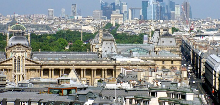 Tour Saint Jacques View © French Moments