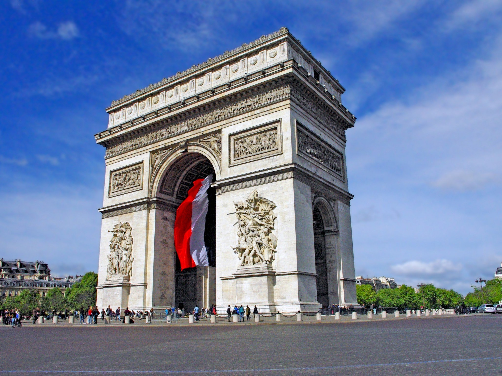 discover the arc de triomphe in paris french moments. Black Bedroom Furniture Sets. Home Design Ideas