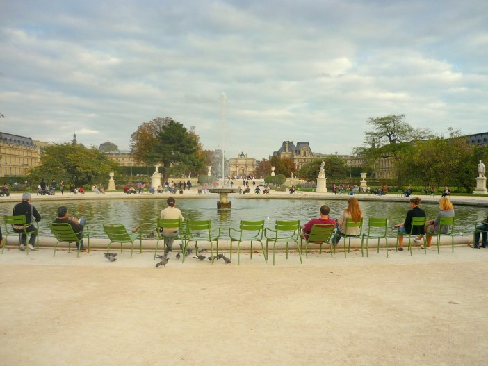 The grand basin of the Tuileries Garden © French Moments