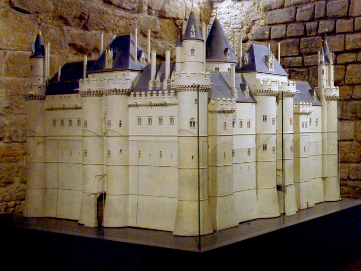 Model of Medieval Louvre © French Moments